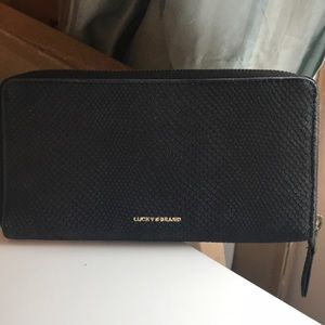 NWT Lucky Brand Leather Wallet